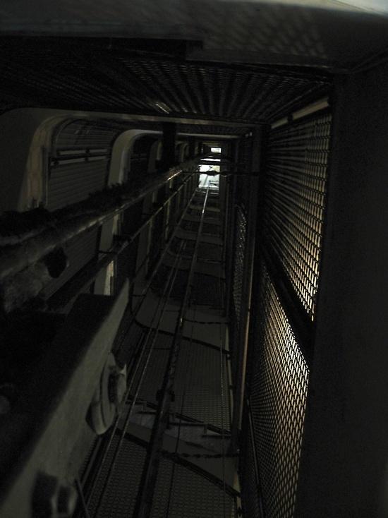 Сосу в лифте фото 365-509